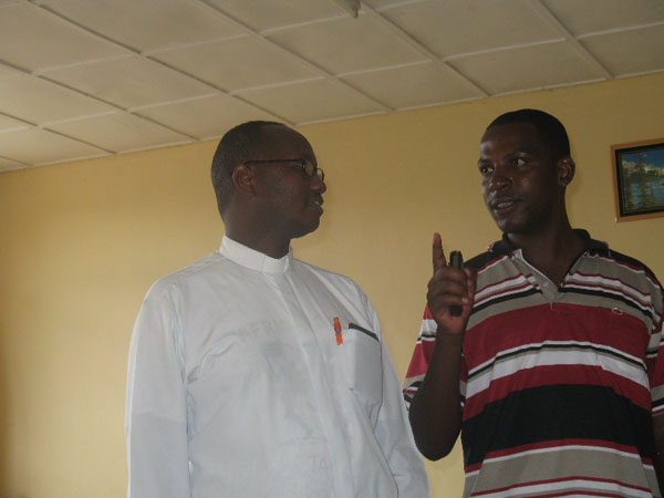 Fr. Salvator (FIAC coordinater in Africa) with Etiene (responsile of CA in Rwanda)