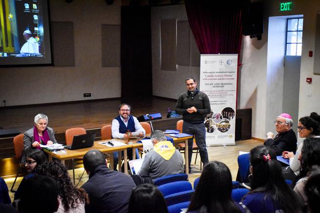1 dicembre - prima sessione. Intervento di Wassim sul seminario di settembre a Roma verso il Sinodo